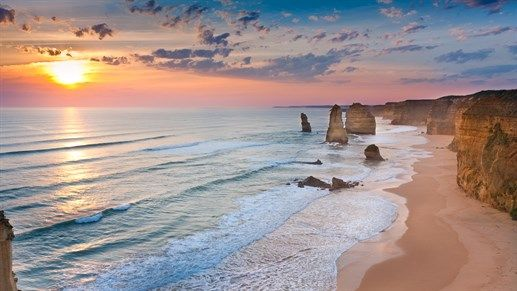 The Great Ocean Road, Australia - Perfect for road trips! #backpacking #travel #kilroy