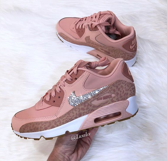 Cerveza inglesa Sin Admirable  Nike Air Max 90 Koralle Stardust/Rost rosa/weiß mit SWAROVSKI® Kristallen  gemacht. | Nike shoes women, All nike shoes, Nike air shoes
