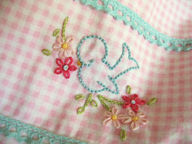 Pretty Blue Bird: Flower Embroidery, Bluebirds, Embroidered Blue, Pretty Blue, Little Birds, Baby Bibs, Blue Quilts, Blue Birds, Birds Embroidery