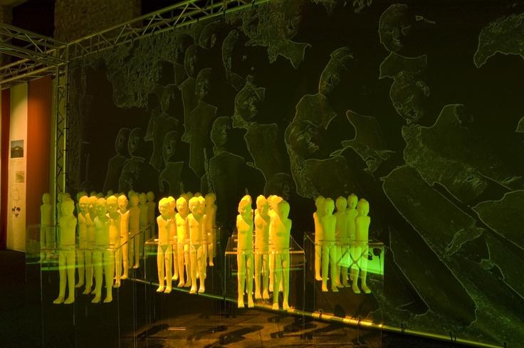 """""""Som i et speil"""" 2005"""