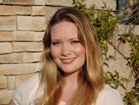 Sarah J Maas- My favorite author