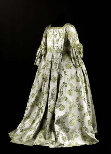 Robe à la française et jupe de robe à la française | Paris Musées 1750's
