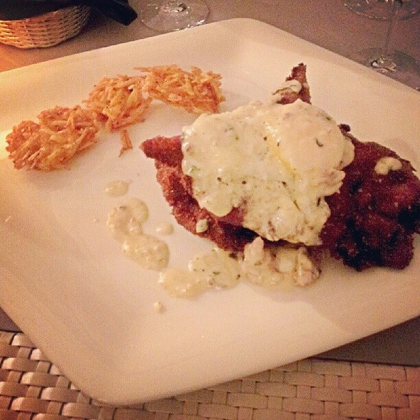 One of our guest loved our Chicken Fried Churrasco with Gorgonzola and Sausage Country Gravy! Try this mouthwatering dish for yourself!