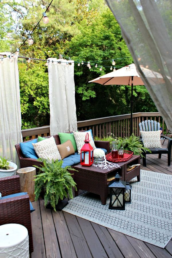 Back Porch Makeover- lots of good ideas for making your outdoor space feel like an outdoor oasis! #athomestores #ad