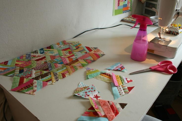This is a great way to use tiny scraps! I don't like to waste anything, so it's just perfect for me...