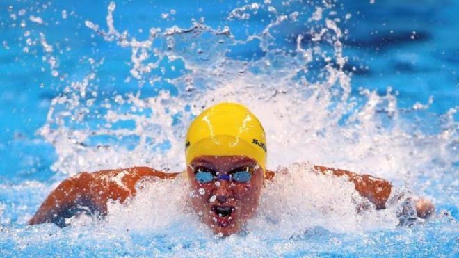 Covesia.com - Perenang Swedia Sarah Sjostrom memecahkan rekor dunia atas namanya sendiri dan meraih medali emas renang nomor 100 meter gaya kupu-kupu putri di...
