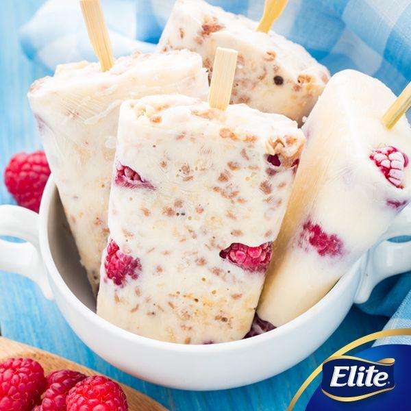 ¡Disfruta de unas deliciosas paletas de yogurt con avena y frambuesa!