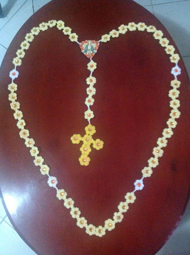 Rosario católico mariano en crochet para decoraciones. Rosary catholic for decorative purpose.