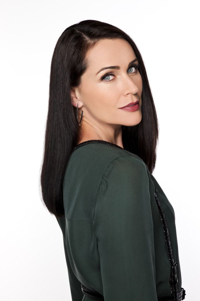 For years fans have wondered what makes Quinn, played by gorgeous Rena Sofer, tick? Description from highlighthollywood.com. I searched for this on bing.com/images