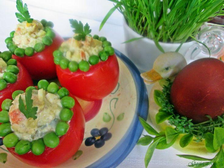 Gosia gotuje...: Pomidory faszerowane sałatką jarzynową z szynką