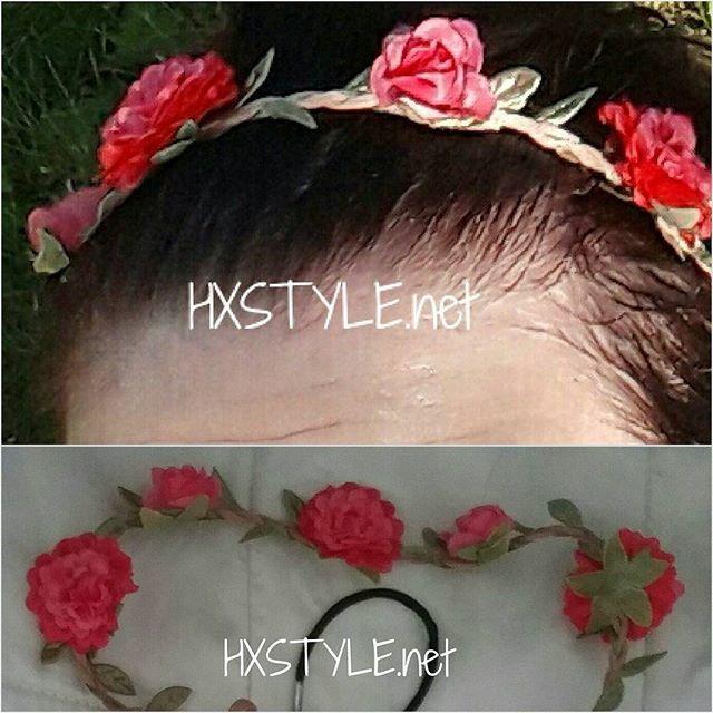MUOTI MAAILMA. Uuutudet&Trendit Kanueus&Hiukset. KESÄLLÄ Trendikästä Erilaiset Kukkakoristeet Hiuksissa, pukeutumisessa. Mm. Aidot kukkaseppeleet, kukkapannat, kukkahiuskoristtet jne...Minun Ihana, Uusi&Trendikäs Kukkapanta, Kesä -17 Tyyliä. Hiukset ovat Märät uinnin jälkeen. HYMY #muoti #maailma #vogue #blogi #muotiblogi #tyyli #bloglates #trending  #kesä #kukka #kukkapanta #hiukset #kauneus ❤☺