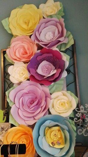 Pannello fiori giganti di carta