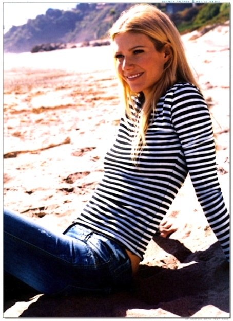 Gwyneth - I love her and I love stripes and jeans: At The Beaches, Nautical Stripes, Gwyneth Paltrow, Stripes Tops, Stripes Shirts, Casual Looks, Stripes Tees, Beaches Style, Gwynethpaltrow