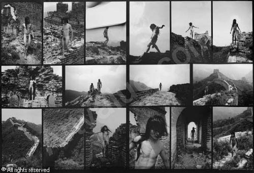 Fen Ma Liuming Walks on the Great Wall, 1998, Chromogenic Print, 127 x 199.9 cm