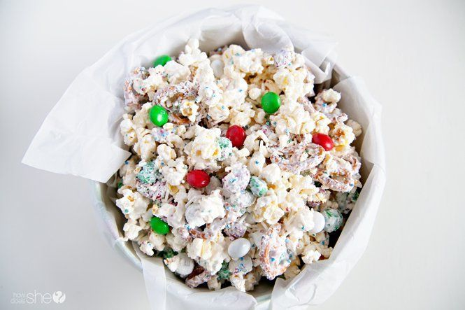 Quick White Chocolate Peppermint Popcorn Mix – Orville Redenbacher's via /howdoesshe/