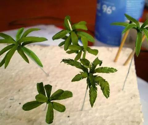 Tutorial para la Fabricacion de Plantas Selvaticas y de Hoja Ancha