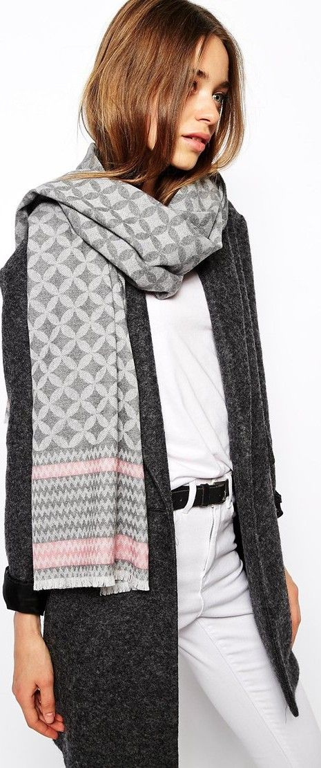 Gray Scarf & Sweater - Read Tips About  Latest Fashion Trend for Women - http://www.boomerinas.com/2014/08/26/%ef%bb%bfgray-outfits-for-women-4-tips-for-wearing-gray-in-fall-winter/