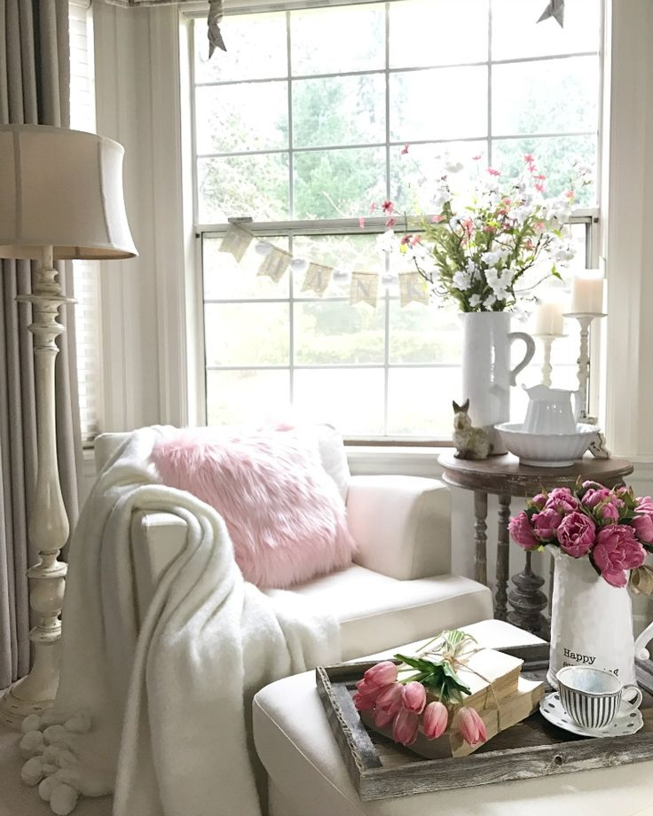 Fresh Spring Decorating - How I incorporate flowers in my spring decor.