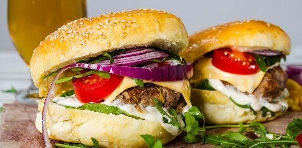 Italiaanse Broodjes Hamburger recept   Smulweb.nl