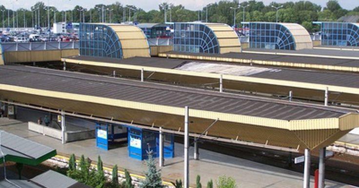 Como colocar uma estação de trem em SimCity 4. SimCity 4 da Maxis é um simulador de cidade em que você constrói e opera uma área metropolitana composta por cidades menores subdivididas. Um dos aspectos primordiais do desenvolvimento bem sucedido de uma cidade em SimCity 4 é posicionar corretamente o sistema de transporte que irá permitir aos cidadãos viajarem através de toda a área da cidade. ...