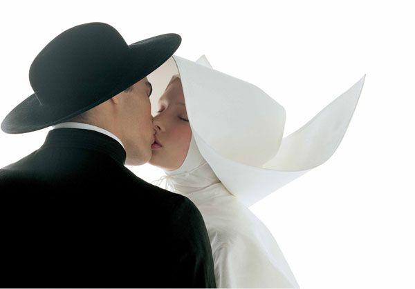 """Kissing-nun"", 1992.OLIVERO TOSCANI FOR BENETTON"