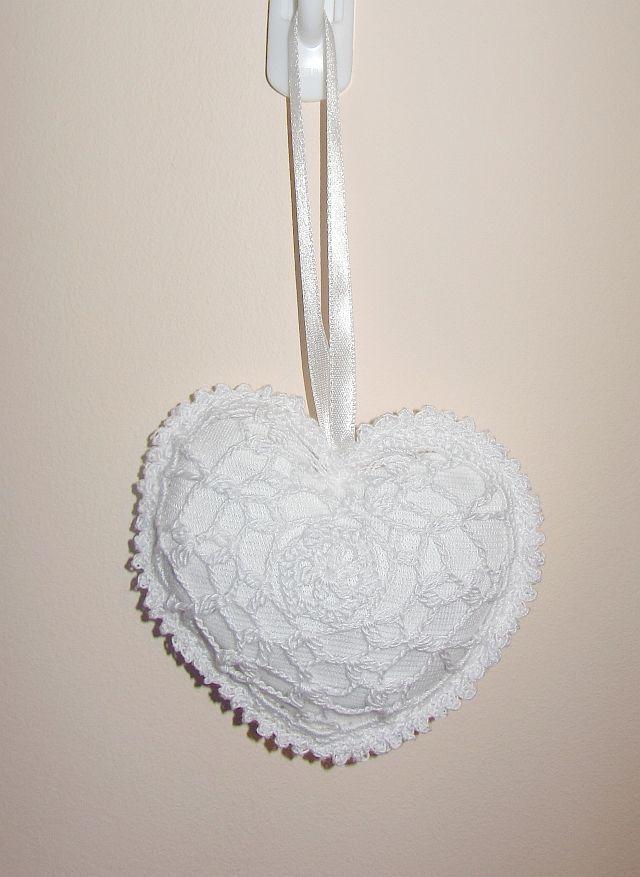 zawieszka hand-made serduszko, idealna na Walentynki i nie tylko.