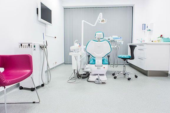 Avez vous besoin de placages dentaires effectués à l'étranger et ne savent pas où aller? Nous vous invitons à les voir ici et contactez-nous immédiatement!http://www.intermedline.com/dental-clinics-romania/ #tourismedentaire #tourismedentaireenRoumanie #voyagedentaire #voyagedentaireenRoumanie #cliniquedentaire #cliniquedentaireenRoumanie #dentistes #dentistesenRoumanie #soinsdentaires #soinsdentairesenRoumanie #facettesdentaires #facettesdentairesenRoumanie