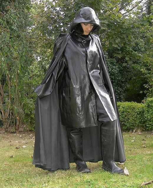Black Rubber Raincoat,Cape,Hat & Waders