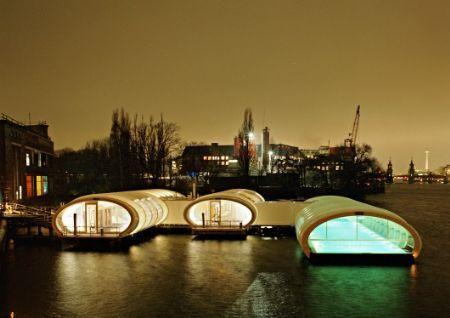 Architectura - Drijvend badhuis verwarmt winters Berlijn