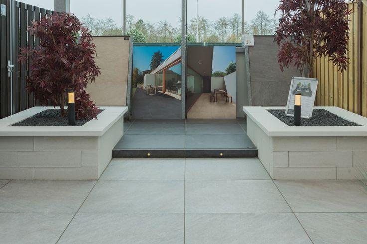 #showroom #tuinen #keramische #tegels #vloeren #tuin #garden #binnen #buiten #vloer #sierbestrating #inspiratie #voorbeeld #style