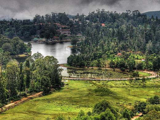 Kodaikanal is one of the most beautiful hill stations of India. It is proudly called as the princess of hills with its steepy mountains, rocks, dense forests and lovely lakes.