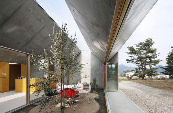 inside-outside-architecture-japan-2.jpg