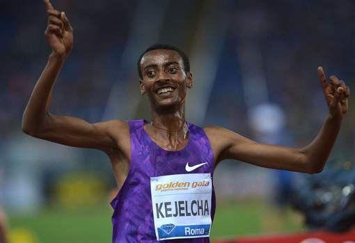 5000 metri - Yomif Kejelcha ha magistralmente gestito una gara condotta per mano sulle sue frequenze dai kenyani e dal turco acquisito Ali Kaya. Per Kejelcha è stato un gioco da ragazzi controllare gli ultimi 250 metri e portarsi a un ottimo 12:58.39. Giunge secondo Paul Tanui davanti al recordman mondiale juniores Gebrhiwet, entrambi in 12:58.69. Seguono Imane Merga in 12:59.04 e Thomas Longosiwa in 12:59.78.