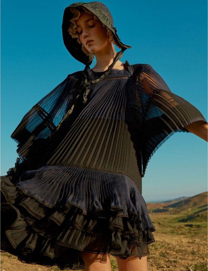 Amalie & Cecilie Moosgaard Go 'Sublime Pastoral' By Kai Z Feng For Elle UK March 2017