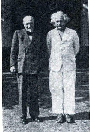 Luigi Pirandello with Albert Einstein, New York, 1935.