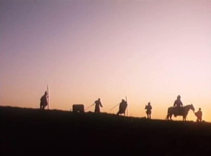 """L'armata Brancaleone - Mario Monicelli (1966)  """"Oh, gioveni! Quando vi dico """"sequitemi miei pugnaci"""", dovete sequire et pugnare! Poche fotte! Se no qui stiamo a prenderci per le natiche."""" - Brancaleone da Norcia"""