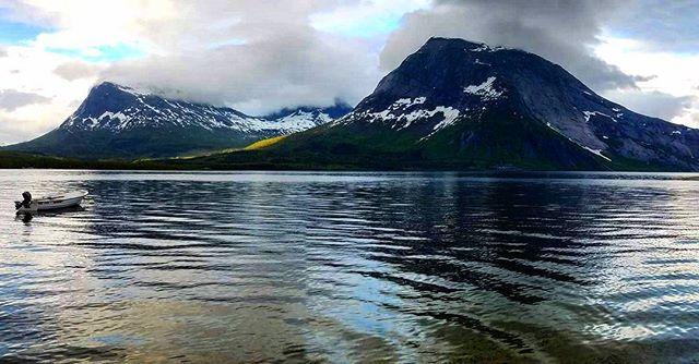 Norwegian naturepearls♡ #norway#norwaytravels#neverstopexploring#utno#villmarksliv#mittnordnorge#nordnorge#nothernnorway#mountains#naturephotography#mittnorge#dreamchasers#dreamchasersnorway#explorenature#explorenorway#ilovenorway#visitnorway#bestpicoftheday#sky#fluefiske#flyfishing#trout#troutfishing#flugfiske#dryfly#liveterbestute#turjenterno#fjellsport_no#norgejpg#utno
