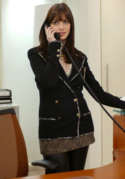 Anne Hathaway AS Andrea Sachs (The devil wears Prada - David Frankel, 2006)