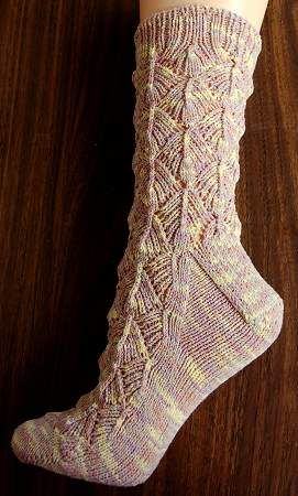 free knit sock pattern - Maizy Sydney Socks - corn fiber sock yarn - Crystal Palace Yarns