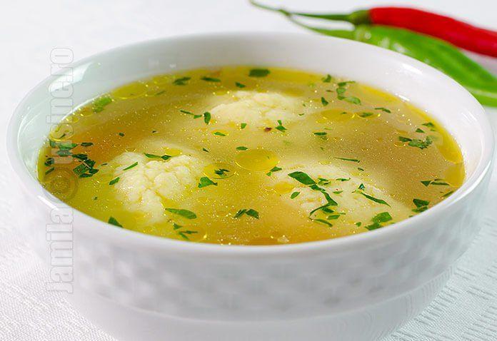 Supa de pui cu galuste – reteta video via @JamilaCuisine
