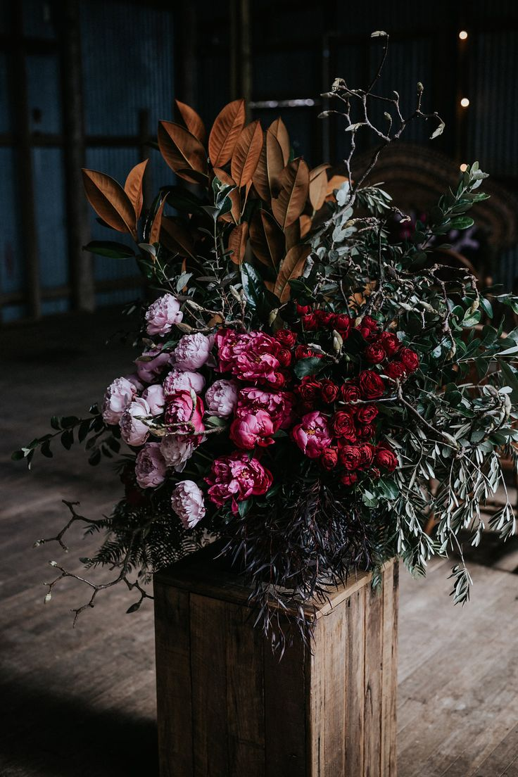 Waldara Winter Wedding | Floral Inspiration by LOVE FIND CO.