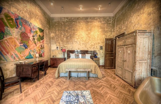 the coolest place to stay in Budapest - Brody House Tinei Room