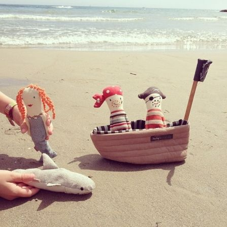Barco pirata de tela. Guarda los sonajeros pirata en este barco tan mono!