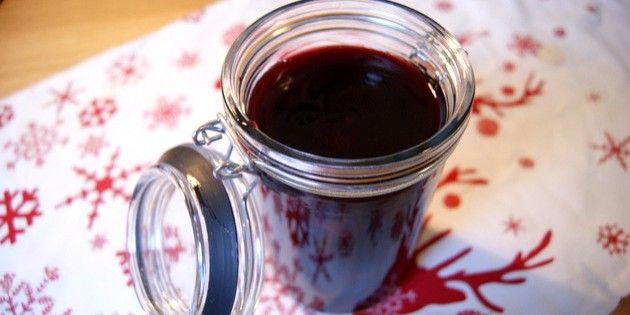 Et glas skøn hjemmelavet kirsebærsovs