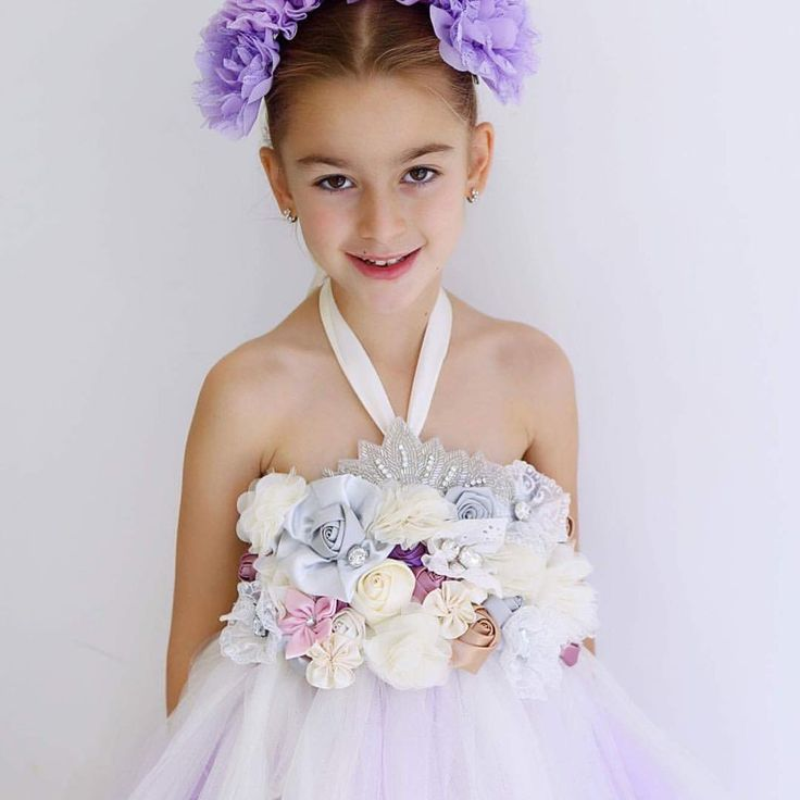 ❤️❤️ . . Pm now for enquiries or follow the link to the etsy page and fill out a custom order. https://www.etsy.com/au/listing/525619154/flower-girl-dress-dreamers-gown?ref=shop_home_feat_4 . Thankyou to the amazing @angiebranchphotography @angiebranchphoto_family For all these amazing photos. If your after a wedding or family photographer....CHECK HER OUT 🙌🏼 . . . . #wedding #weddings #weddingtime #weddingseason #weddingphotography #weddingphotographer #photoshoot #photooftheday…