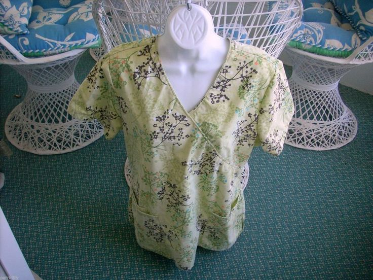 WOMEN'S SB SCRUB UNIFORM TOP GREEN WITH BERRY BRANCHES SIZE MEDIUM #SBScrubs