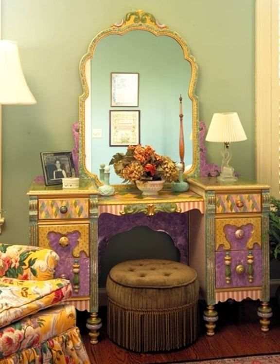 painted vanity...: Decor, Hand Painted Furniture, Dressing Tables, Furniture Redo, Dresser, Whimsical Painted Furniture, Vanity Table, Funky Furniture, Furniture Ideas