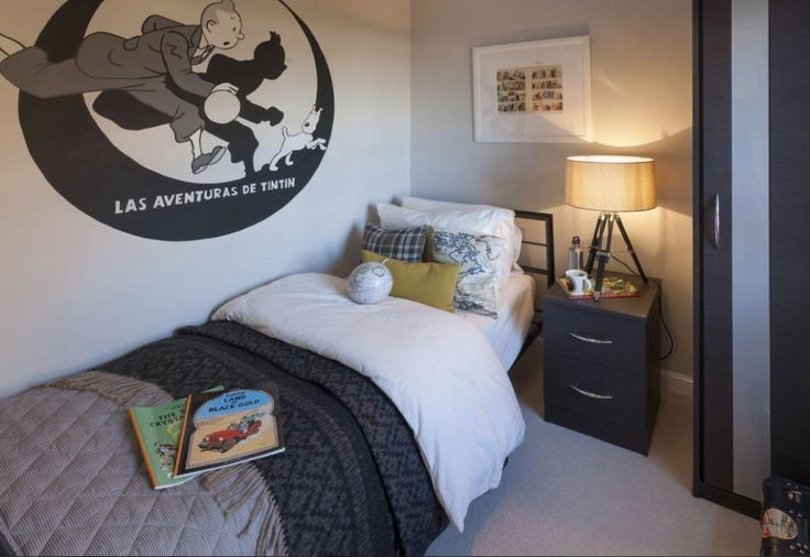 Barratt Homes LINCOLN at Glenfield Park, Kirby Road, Glenfield, Leicester Fabulous teenage boys room with a Tintin theme, decorated in palest grey with darker slate accents mirroring the Tintin wall decal.