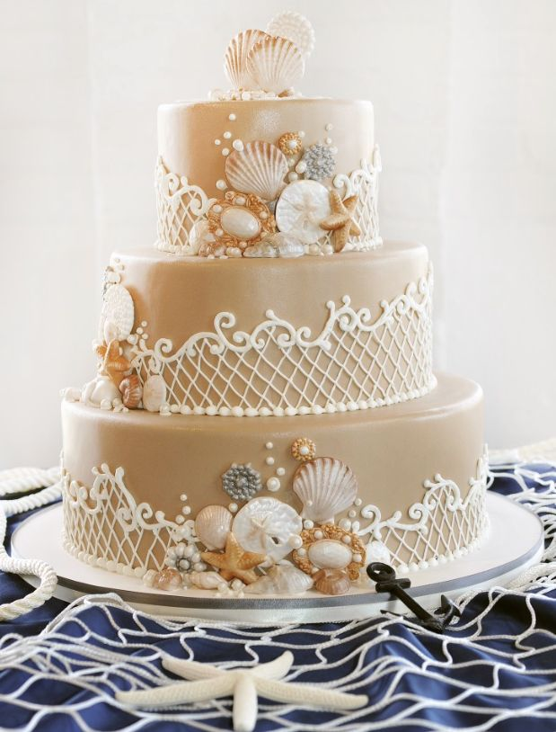 Unique Wedding Cake Inspiration. To see more: http://www.modwedding.com/2014/07/04/unique-wedding-cake-inspiration/ #wedding #weddings #wedding_cake Featured Wedding Cake: Sin Bakery;