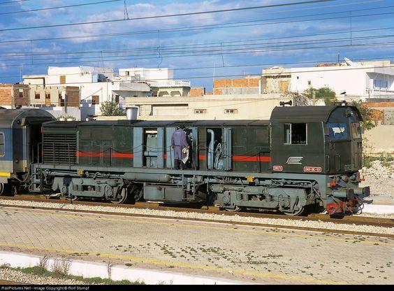 RailPictures.Net Photo: SNCFT DK-93 Societé Nationale de Chemins de Fer Tunisiens (SNCFT) MLW DL536B at Sousse, Tunisia by Rolf Stumpf: